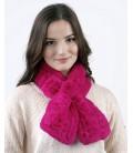 2110 Шарфик-розочка из вязаного кролика ярко-розовый