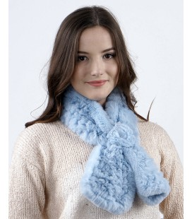 2113 Шарфик-розочка из вязаного кролика голубой