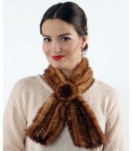 Шарфик-розочка из вязаной норки