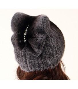 1001 Меховая шапка на вязаной основе из норки.