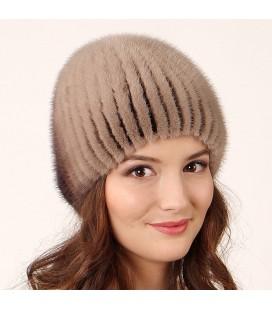 1020 Меховая шапка на вязаной основе из норки.