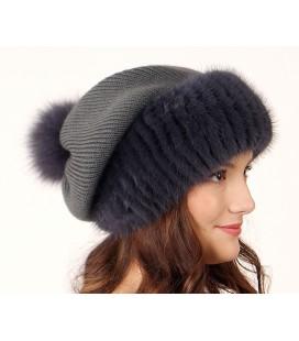 1035 Меховая шапка на вязаной основе из норки.