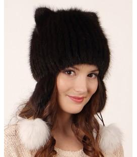 1204 Меховая шапка на вязаной основе.