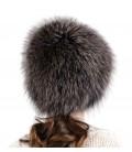 1409 Меховая шапка на вязаной основе.