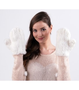 Варежки из вязаной норки белые