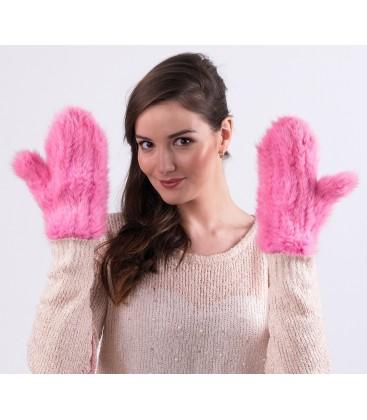 Варежки из вязаной норки розовые