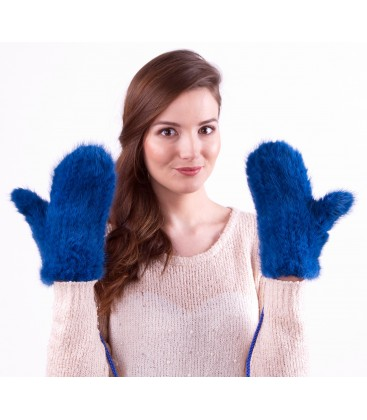 Варежки из вязаной норки синие.