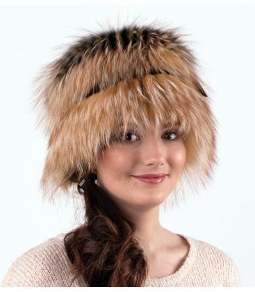 Женская меховая шапка на трикотажной основе.